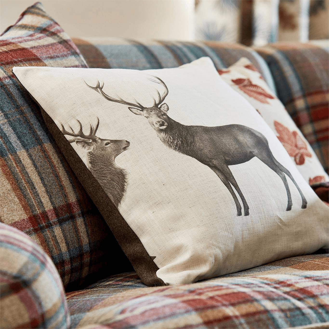 Evesham Deer Fabric Linen Chalk By Sanderson 226528