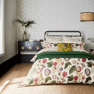 Sanderson Jackfruit in Fig & Olive Bedding